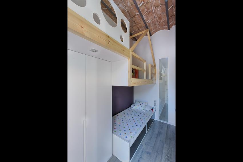 http://www.oa-arquitectes.com/wp-content/uploads/2018/04/CRF-20140508-GRANDESARRIA-001.png