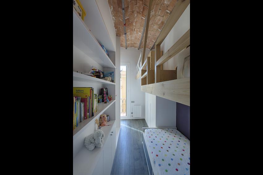 http://www.oa-arquitectes.com/wp-content/uploads/2018/04/CRF-20140508-GRANDESARRIA-002-1.png